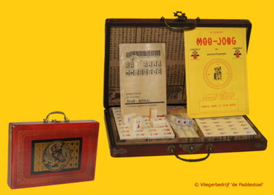 Mah Jong L in rode houten koffer
